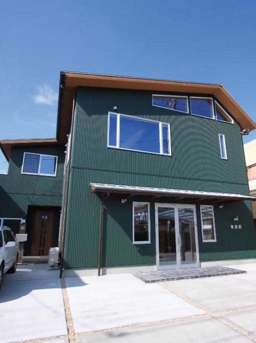 滋賀県雁瀬工務店が建てた、音楽ホールのある家
