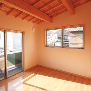 滋賀県雁瀬工務店が建てた、音楽ホールのある家 洋室