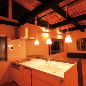 滋賀県雁瀬工務店が建てた、音楽ホールのある家 キッチン