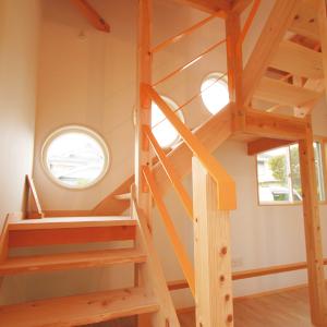 レトロな家 吹き抜け階段