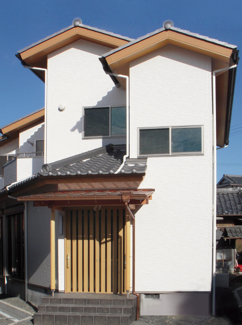 滋賀県雁瀬工務店が建てた、土地に合わせた和風な住まい