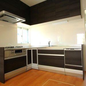 滋賀県雁瀬工務店が建てた、低層景観地域の京都の家 キッチン