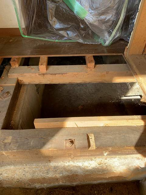 シロアリ被害にあった玄関柔軟な対応で最善の改修を