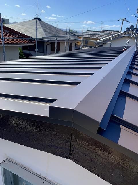 酸性雨等で腐食した屋根を改装工事で美しく!
