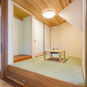 木のぬくもりに包まれる家 和室