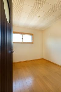 大工の技術を駆使した伝統的な日本家屋の良さを感じられる京都宇治の家 防音室