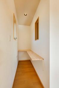 大工の技術を駆使した伝統的な日本家屋の良さを感じられる京都宇治の家 洋室