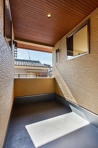 大工の技術を駆使した伝統的な日本家屋の良さを感じられる京都宇治の家 バルコニー