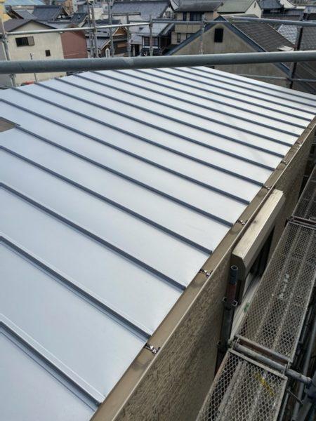 ガルバ二ウム鋼板製の屋根