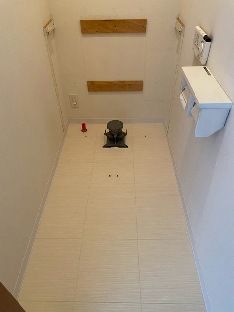 滋賀草津市でトイレ床の張替リフォーム!