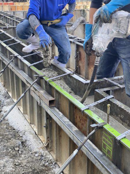 滋賀県草津市の新築アパート物件。基礎工事