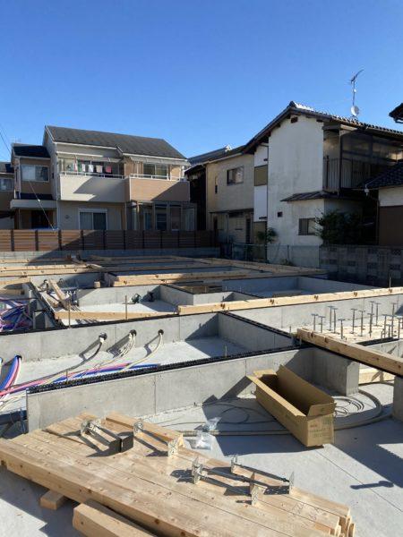 滋賀草津市、新築木造2階建て共同住宅の土台引き