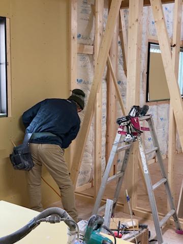 滋賀県草津市の木造新築アパート物件、石膏ボード施工