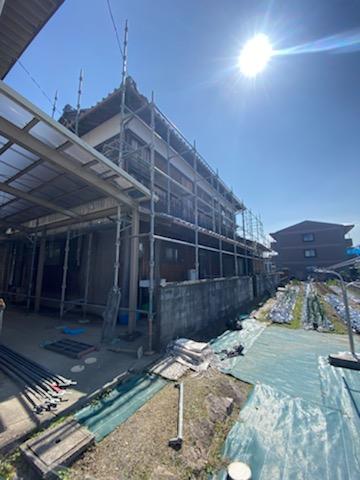 滋賀県草津で焼板張り替えリフォーム工事が着工