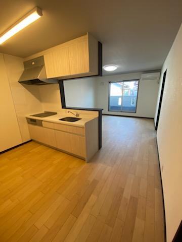 滋賀県草津市で完成間近の木造新築アパート物件